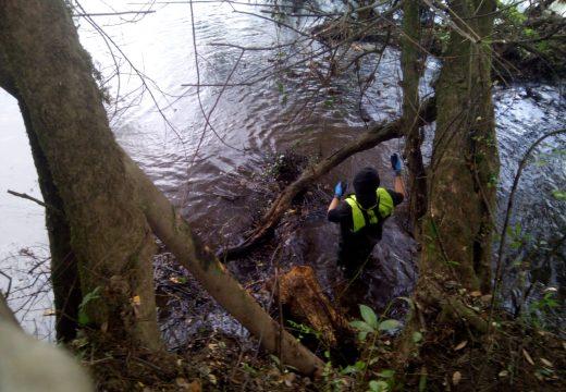 A Xunta executa traballos de conservación e limpeza nos treitos interurbanos de distintos ríos ao seu paso polos concellos de Vila de Cruces, Boqueixón e Touro