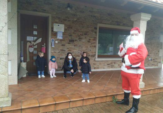 A visita de Papá Noel aos nenos/as de Preescolar na Casa e das Casas Niño abre a programación de Nadal de Frades
