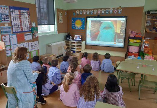 Nenos e nenas das Escolas Unitarias conectaron con Papá Noel por videoconferencia
