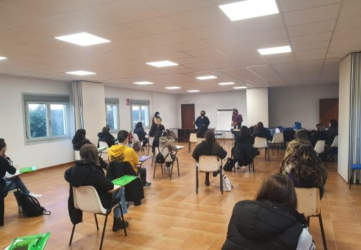Boqueixón e Vedra poñen en marcha os cursos de monitor/a e director/a de actividades de tempo libre con 41 persoas participantes