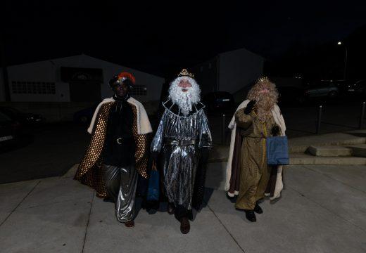 Os Reis Magos achegaranse ao Mercado de Moeche este sábado, pero gardando as distancias