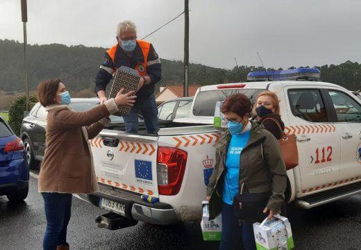 O Concello de Lousame entrega a Cáritas os alimentos recollidos na campaña de Nadal