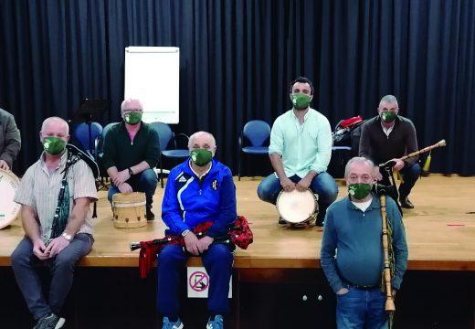 A Escola de Música Tradicional do Concello de Lousame consolidase co aumento de alumnado